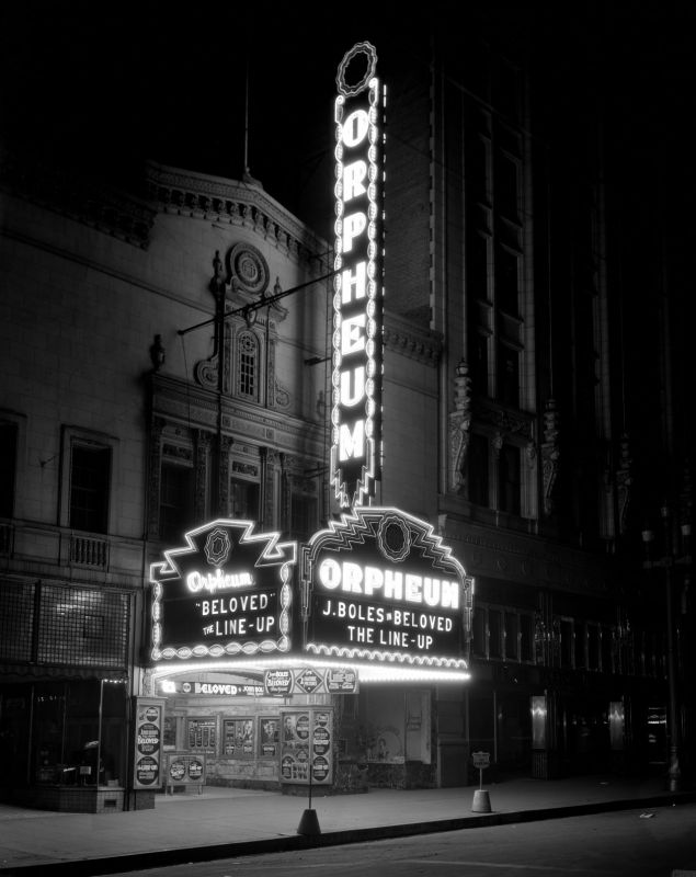 New_Sign_at_Night_Aug_1934 (1).jpg