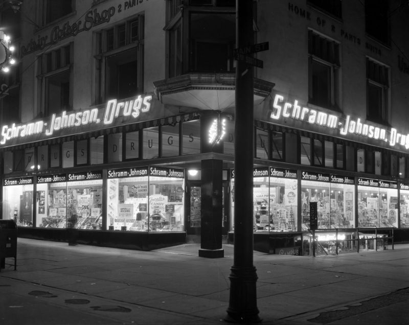 Schram_Johnson_Durgs_Sign_Nov_1934 (1).jpg