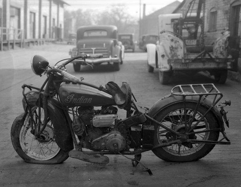 Wrecked_Motorcycle_Nov_1936 (1).jpg