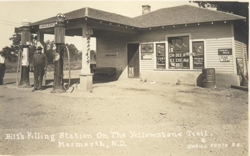 Bill's Filling Station on the Yellowstone Trail, Marmarth, N.D1.JPG