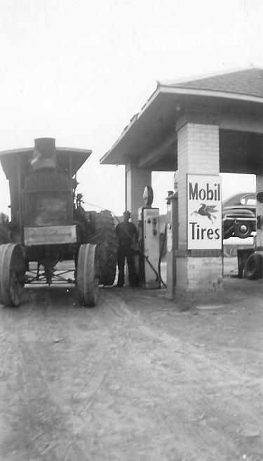 CornerGasStation1950-05.jpg