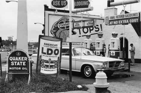 lee_friedlander_untitled_1963_lff_26_471x471_q80.jpg