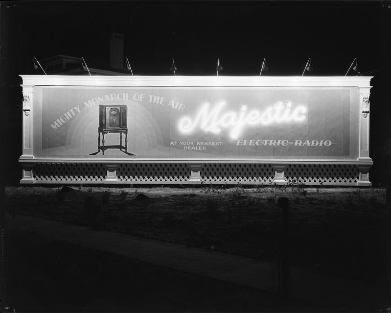 United_Electric_Supply_Co_Neon_Sign_Board_Majestic_Radio_ (1).jpg
